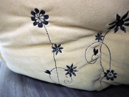 ベルベッド無地刺繍カドラーベッド(SAD30550-15) 30%オフ